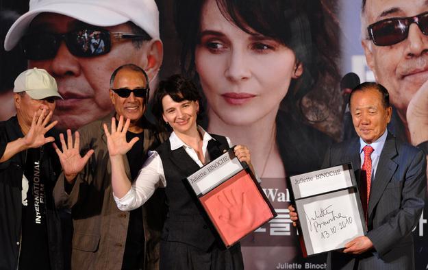 بازیگری ژولیت بینوش در فیلم در کپی برابر اصل